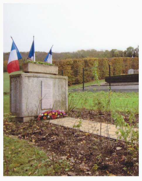 3-MONUMENTS-AUX-MORTS