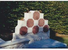 6-COLUMBARIUM