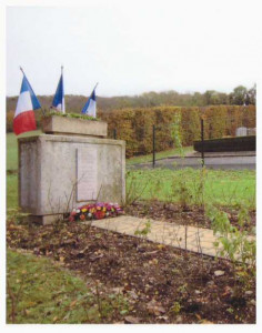 2-MONUMENTS-AUX-MORTS