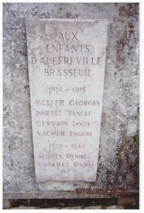 3-PLAQUE-MONUMENT-AUX-MORTS